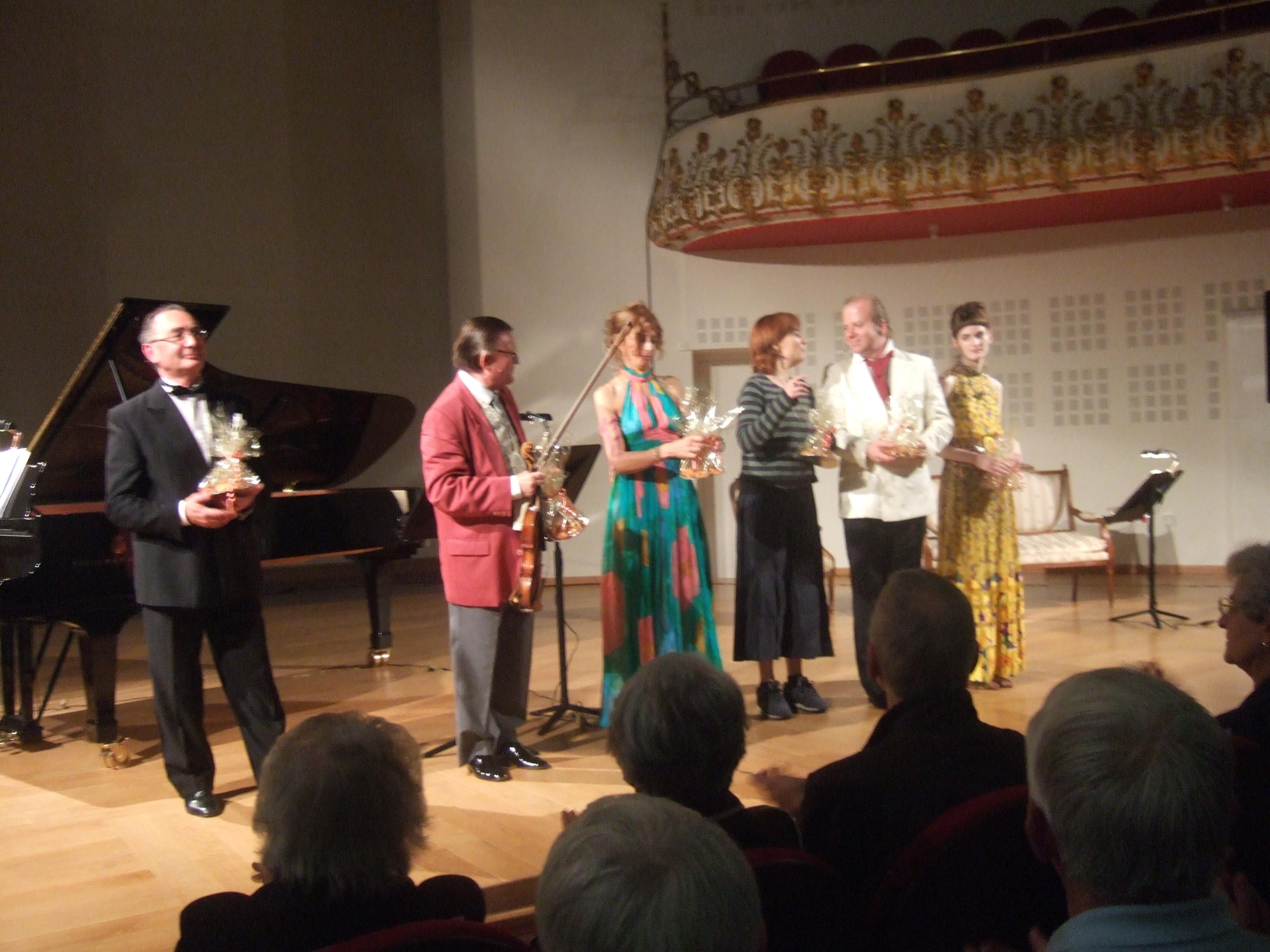 Alain Raës, Jean-Pierre Sabouret, Marie Rivière, Carolu Anderson, Denis Simándy et Laure-Lucile Simon